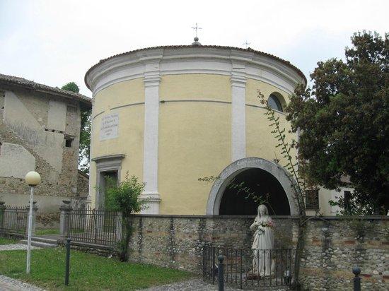 Trattoria Al Paradiso: La chiesetta