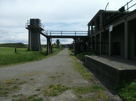 Fort Casey State Park: View of one of the towers