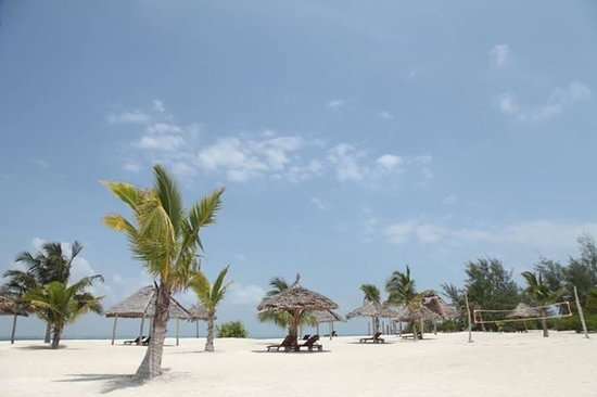 KonoKono Beach Resort: Beach set up