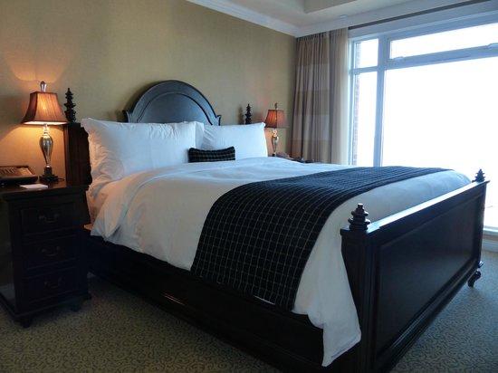 Oak Bay Beach Hotel: Beautiful bedroom