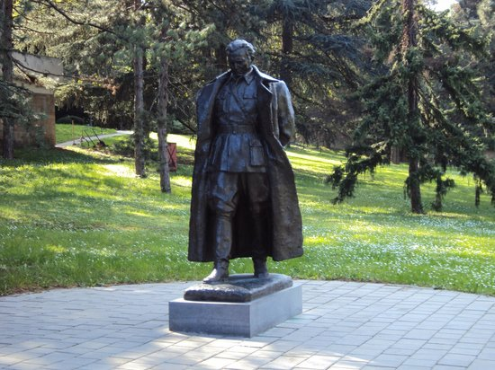 Museum of Yugoslav History: Nostalgic Tito, the only statue of him in Belgrade