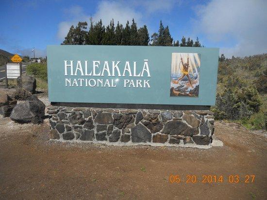 Haleakala Crater: Park Sign
