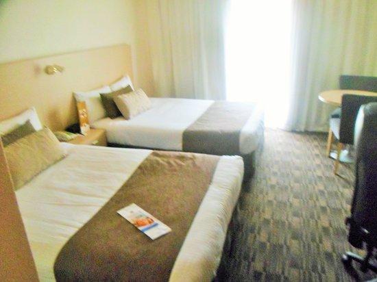 Sage Hotel Adelaide: Size of bedroom