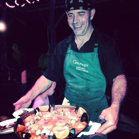 Sabor Espanol: Seafood Paella!