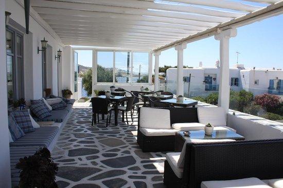 Adonis Hotel: veranda