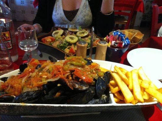 El Campo : Moule provençal et salade de chèvre chaud