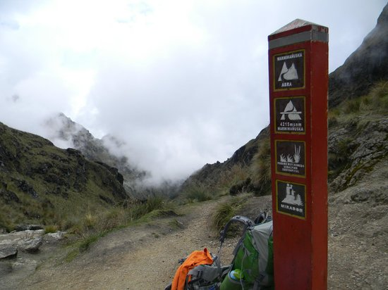 Sun Gate Tours - Day Tours : Dead Woman's Pass, Day 2 of the hike