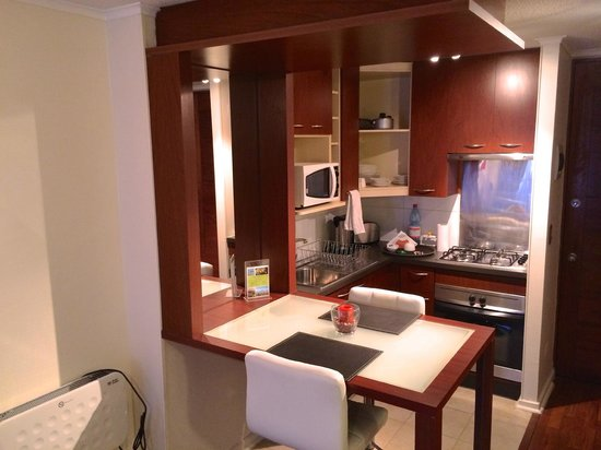 Trivento Apparts: Kitchen and dining area