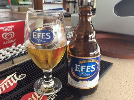 Belcehan Beach Deluxe Cafe Bistro: of course you have to have an Efes!!
