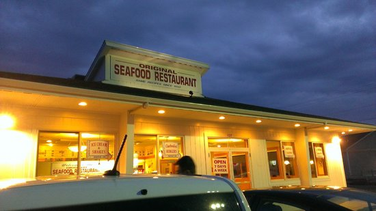 Original Seafood: ample parking space
