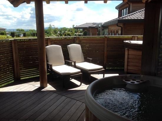 Jiva Hill Resort: les chaises longues en toute intimité