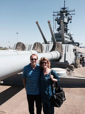 Battleship USS Iowa BB-61 : A bright day for our visit