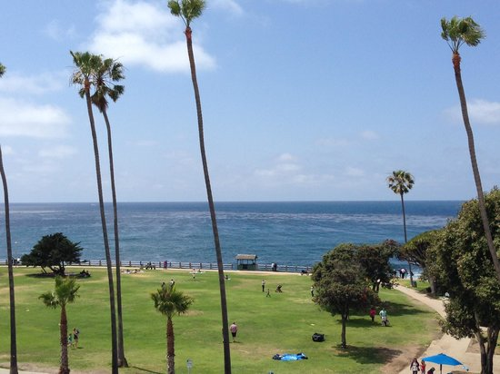 La Jolla Cove Hotel & Suites: View from Balcony