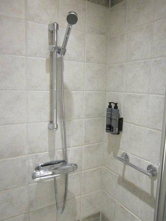 Hotel C Stockholm: Shower