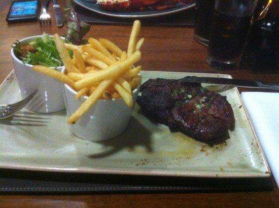 Radisson Blu Edwardian Manchester: Rib eye Steak and chips