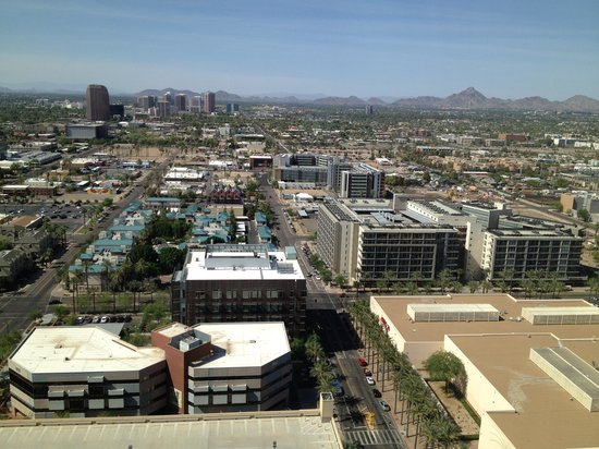 Sheraton Grand Phoenix: View from the 27th floor.