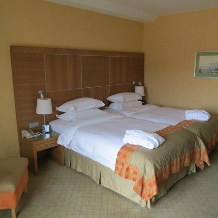 Hilton Imperial Dubrovnik : bed large & comfy