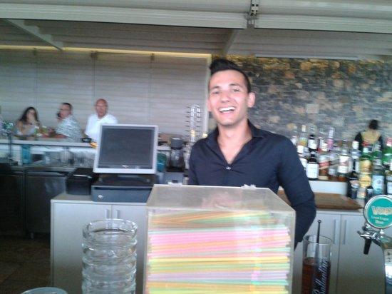 Ostria Resort & Spa : Christos, l'un des serveurs très sympas