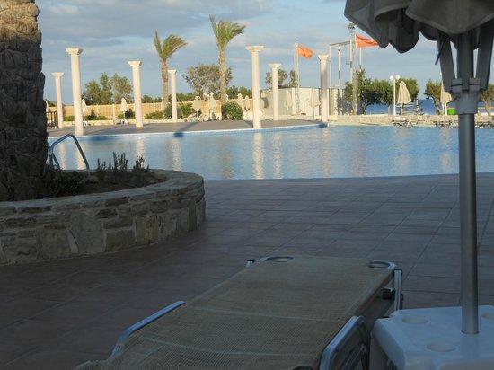 Ostria Resort & Spa : la piscine non chauffée (mais est-ce utile?)