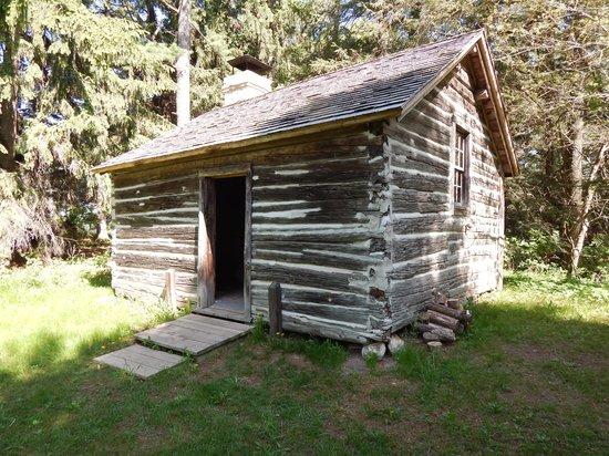 Log cabin foto di pinecrest historical village for Stili di log cabin