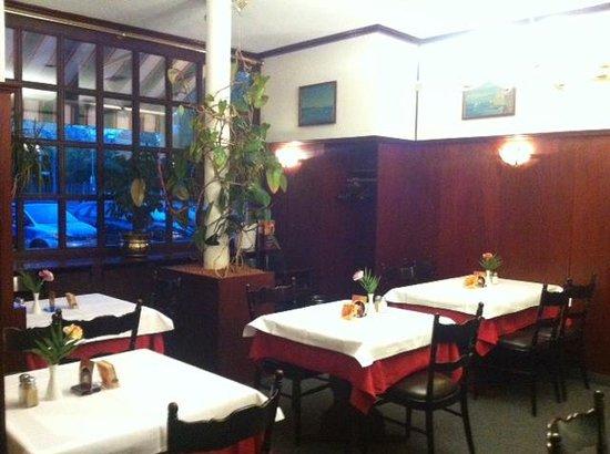 Restaurant Split: Inside