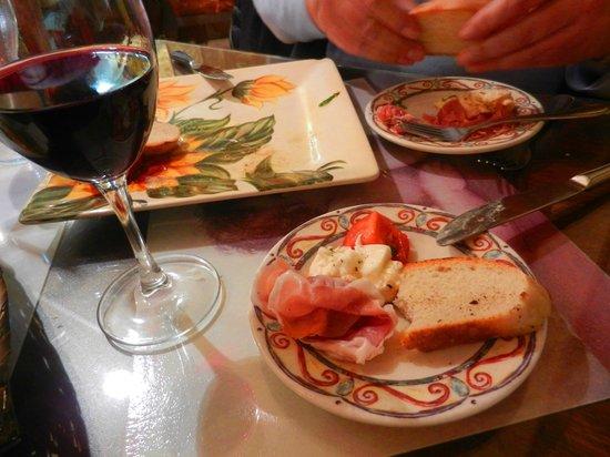 Caruso's Tuscan Cuisine: Caprese Salad is Delicious!