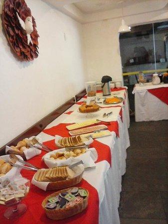 Guaruja Inn: bom café da manhã