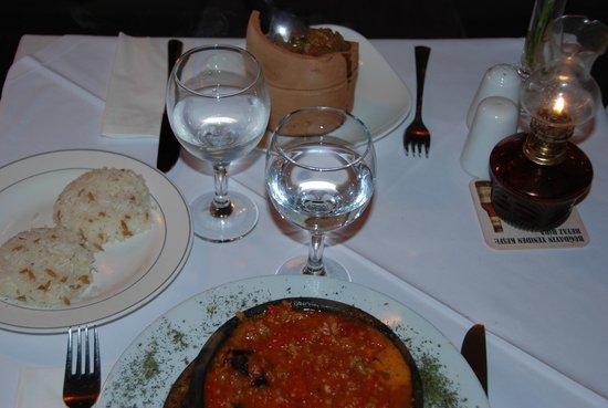 istanbul anatolia cafe and restaurant : Testi kebab and moussaka