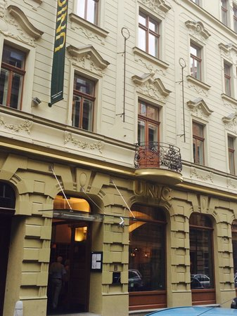 Hotel UNIC Prague: Outside hotel