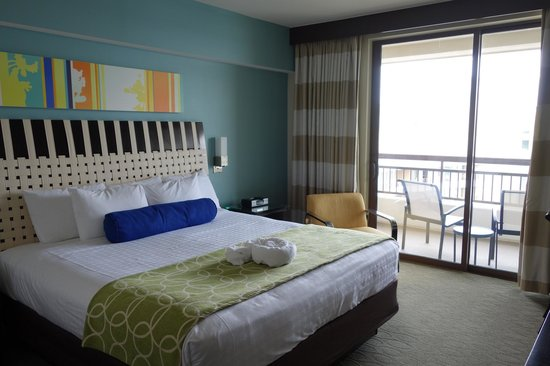 Bay Lake Tower at Disney's Contemporary Resort: Master Bedroom