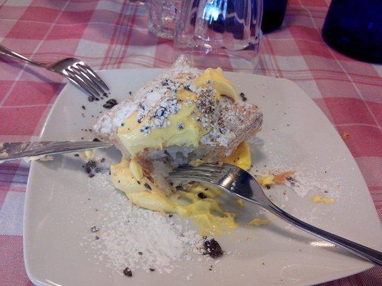 I Vascellari: Multifogli al creme - sabor suave e não muito doce.
