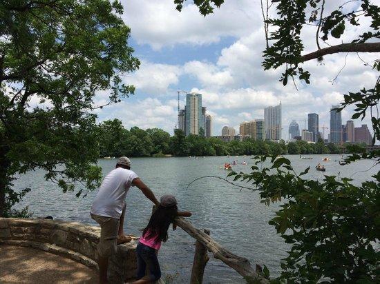 Lady Bird Lake Hike-and-Bike Trail : View of Austin from the Hike and Bike Trail