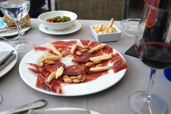 Real fine tapas at Los Galayos, terrace on Plaza Mayor