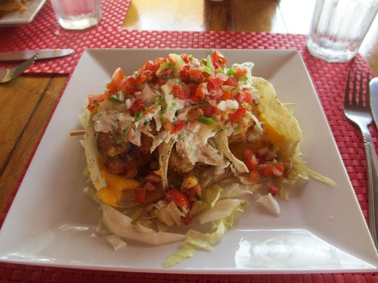 Hatchet Caye Resort: lionfish tacos-yum!