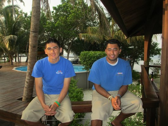 Hatchet Caye Resort: Morris & Jose
