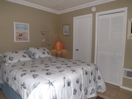 Sun Life Beach Hotel: Double Queen Room 3