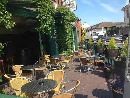 The Deal Smokehouse: Why not enjoy your meal on our sunny terrace