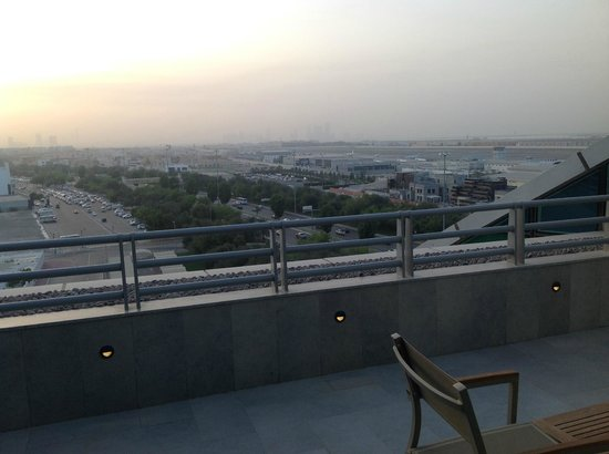Hilton Capital Grand Abu Dhabi : Airport movements are light and not disturbing
