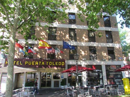 Hotel Puerta de Toledo: Esterno Hotel