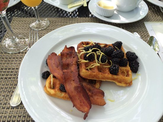 Chateau de Vie : Cornmeal waffles with blackberries, lemon zest and turkey bacon