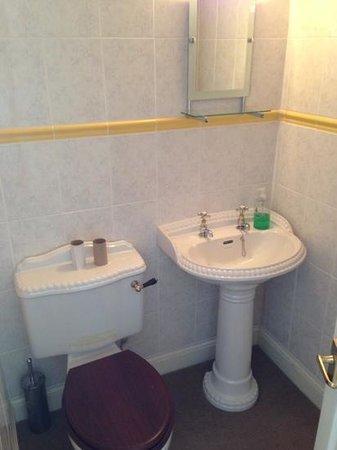 Alpha House Bed and Breakfast: En-suite