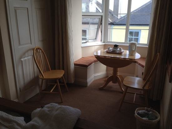 Alpha House Bed and Breakfast: Our lovely little area in our bedroom to relax, work or enjoy a brew