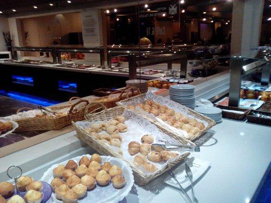 Hotel Puerta de Toledo: Buffet