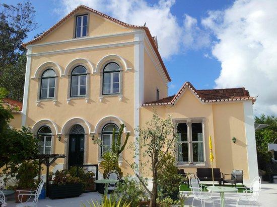 Hotel Nova Sintra: Façade