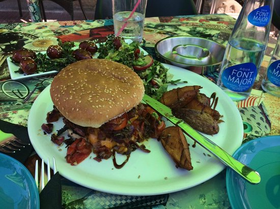Bar Jules : Burger With Roasted Vegetables