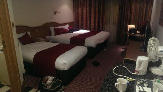 Ramada Hatfield: Room