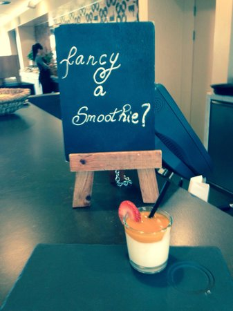 Radisson Blu Hotel, Manchester Airport : Smoothies at breakfast