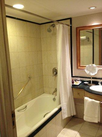 Hotel Sheraton Montevideo: Baño con jacuzzi