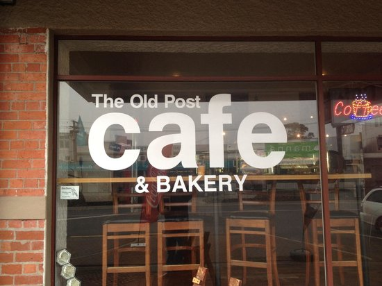 old post cafe: Roadside frontage.