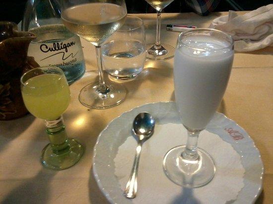 Antico Borgo: Sorbet Citron et Limoncello